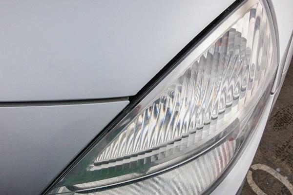 Headlight-Restauration-Kit-Application-Pic-Low-resolution-11
