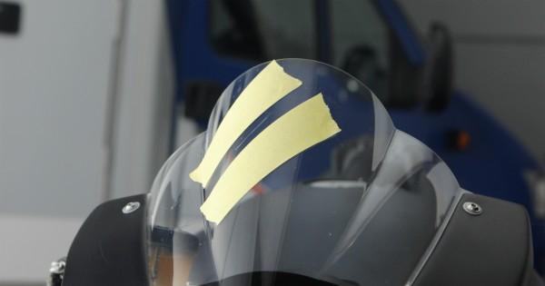 QUIXX_Acryl_Kratzer_Entf_Motorrad_4